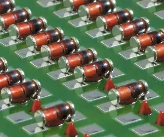 贴片加工厂的红胶选择和使用简述